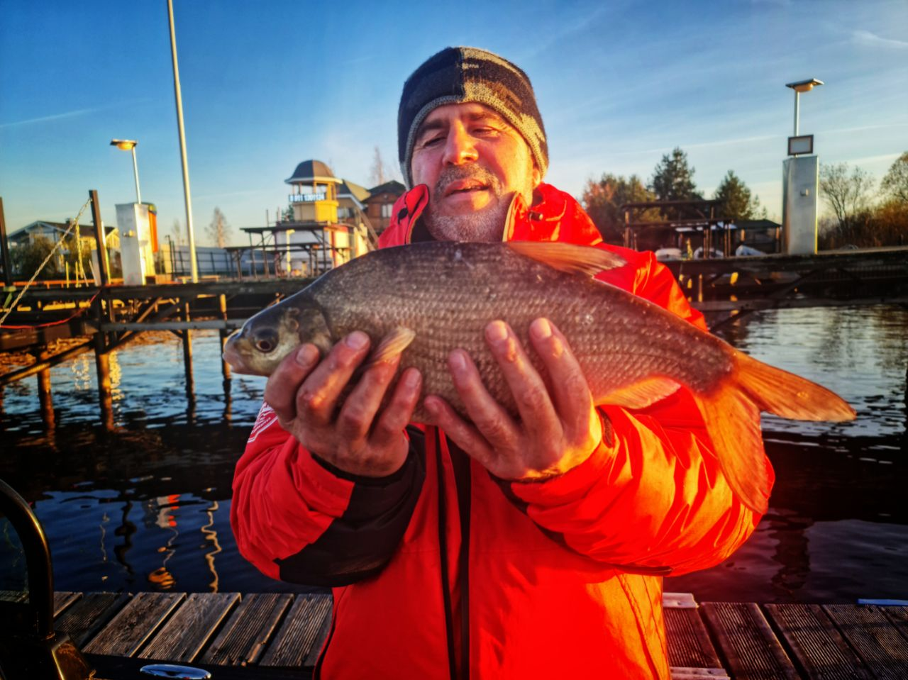 2021 05 21 01.00.17 рыбалка на базе Свирская